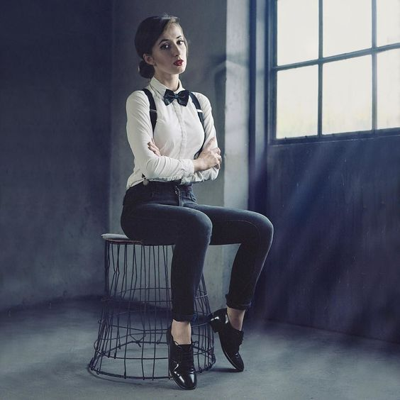 #classyootd inspired:  Jack White - I'm Shakin.  #vsco #VSCOcam #vzcopoland #polishgirl #selfportrait #classygirls #portrait #mrsostrovia by mrsostrovia