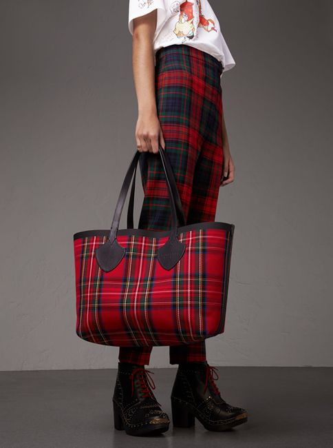 A reversible tote bag in Vintage Burberry check and tartan