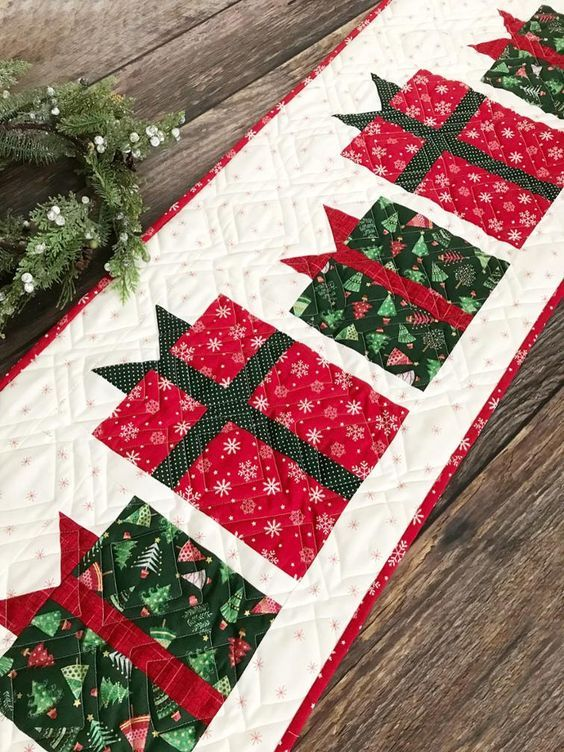 Christmas Present Table Runner Pattern Christmas Quilt Patterns Christmas Patchwork Christmas Table Runner Pattern