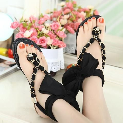 Women's #Fashion #Shoes: Black Flat Sandals With Cross Straps