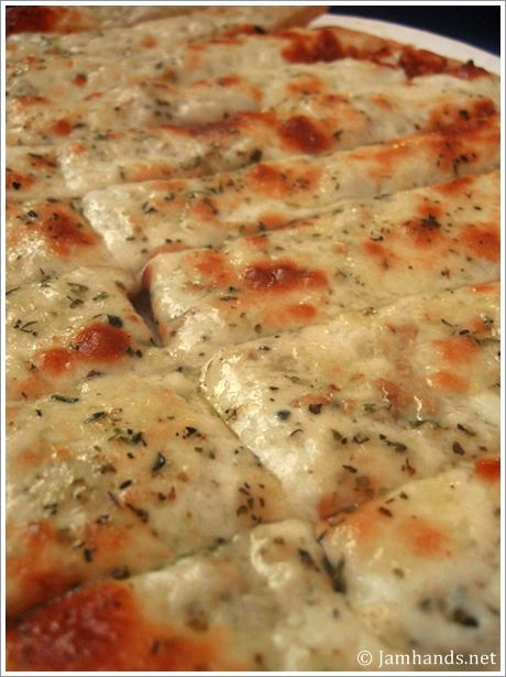 Cheesy Garlic Sticks Recipe. Deeeelish.
