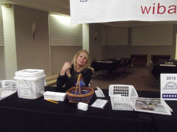 Volunteer Amy Schwartz From Western Illinois Title Company 352 N