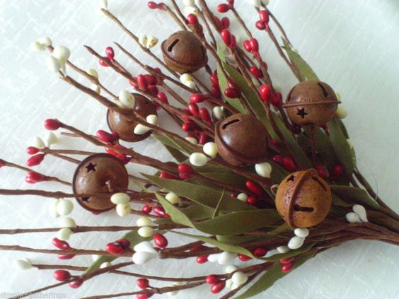 Pip Berry Pick - Stem w/ Rusty Bells - Vintage RED  CREAM Berries - Christmas #PrimitiveRusticCountry