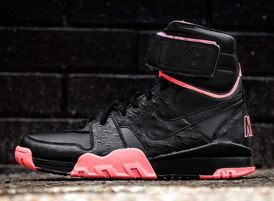Nike Air Shark Trainer Black/Atomic Red