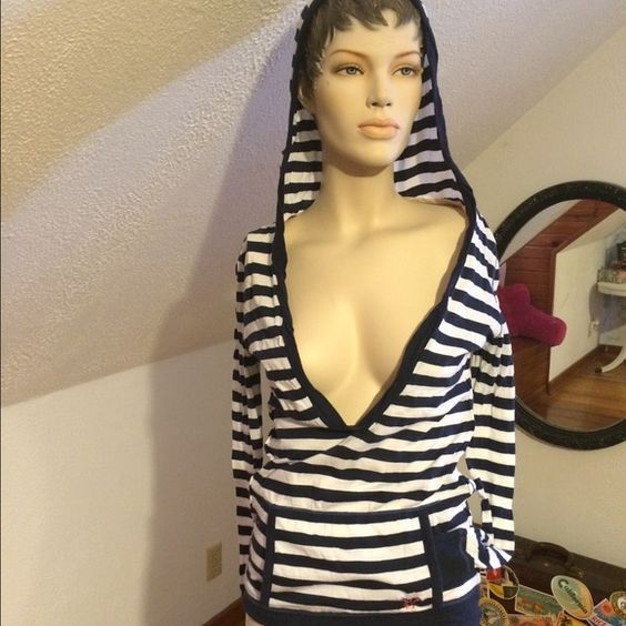 American Eagle Top Long sleeve, American Eagle top with hood. Rarely worn. American Eagle Outfitters Tops