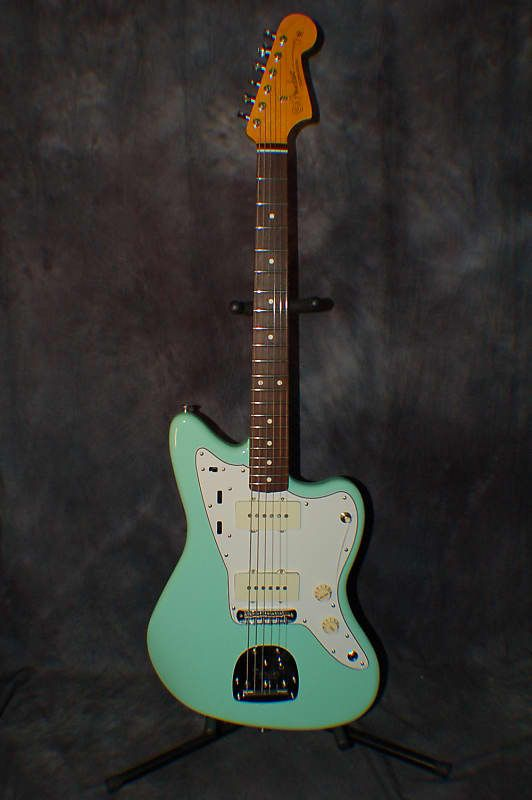 Fender Classic Series 60s Jazzmaster Lacquer Surf Green With
