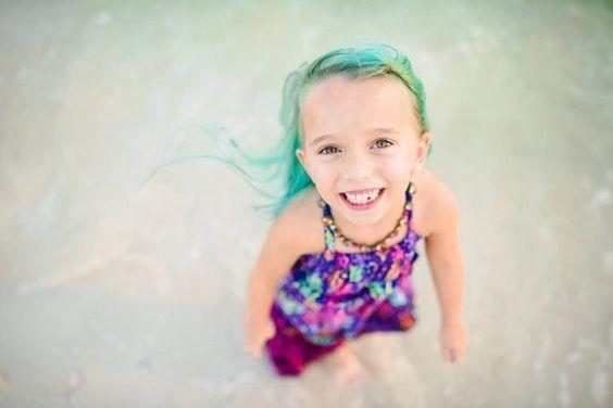 Mira lo que hizo esta mamá con el cabello de su hija de 6 años Te encantará!