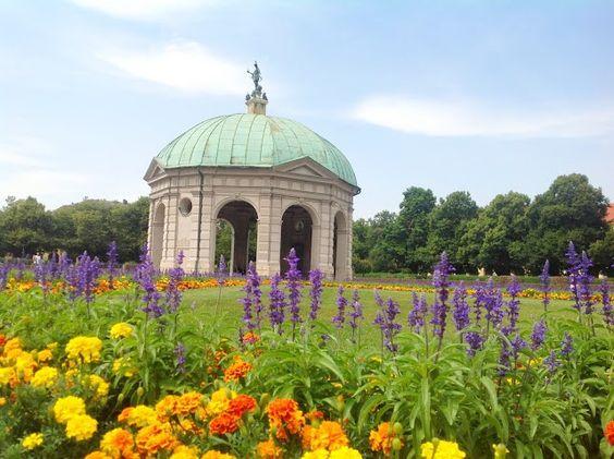 München – Marienplatz, Frauekirche, Olympiapark, Hofgarten, BMW… | Um casal na Alemanha