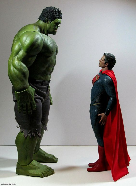 THE INCREDIBLE HULK MEETS THE MAN OF STEEL | Hot Toys ...