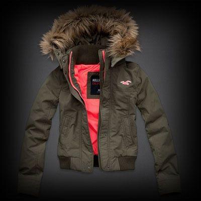 ホリスター All-Weather Jacket ファー ジャケット ファー付きのフルジップタイプで暖かく着れます。裏地がポップカラーでポイントになったデザイン。
