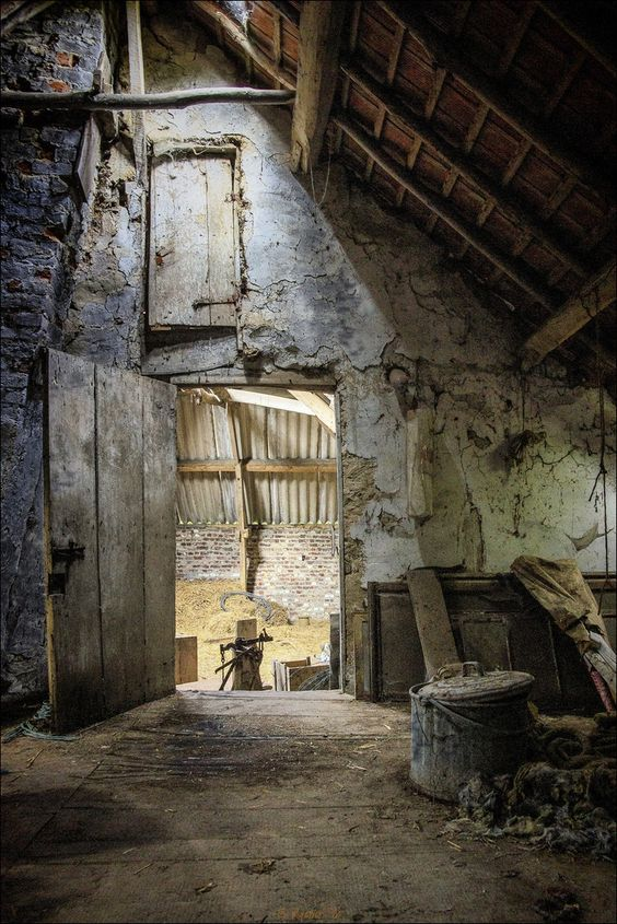 Farm attic, decay, building, architechture, abandoned, rubbles, beautiful, amazing, arkitektur, forfald, building, photo.