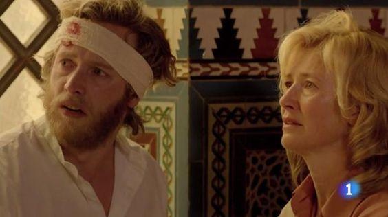 Captura vídeo: http://www.rtve.es/alacarta/videos/programa/cuentame-como-paso-t15-tus-brazos-arroparon-insomnio-capitulo-272/2600223/