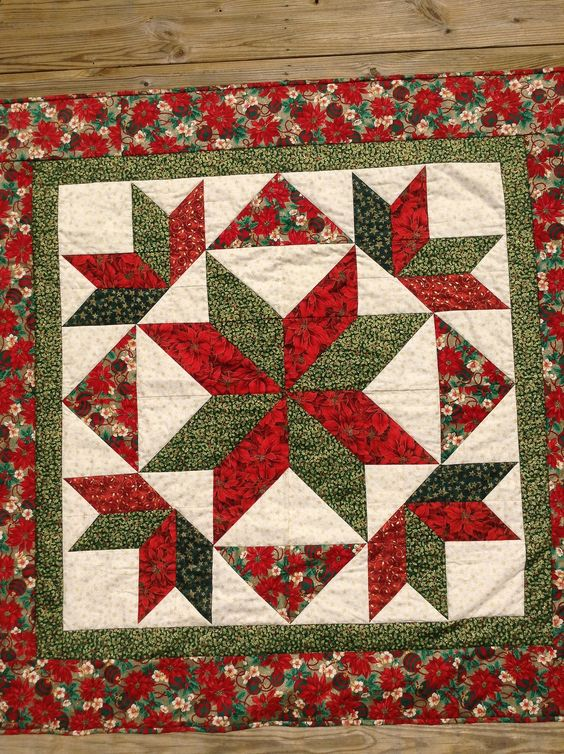 Christmas wall hanging quilt | by quiltnpam: