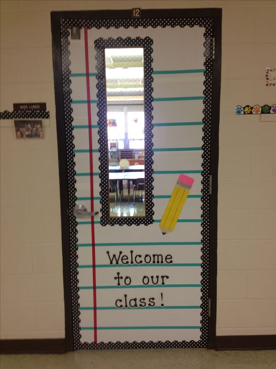 My classroom door hope it kinda looks like notebook paper for Back to school notebook decoration ideas