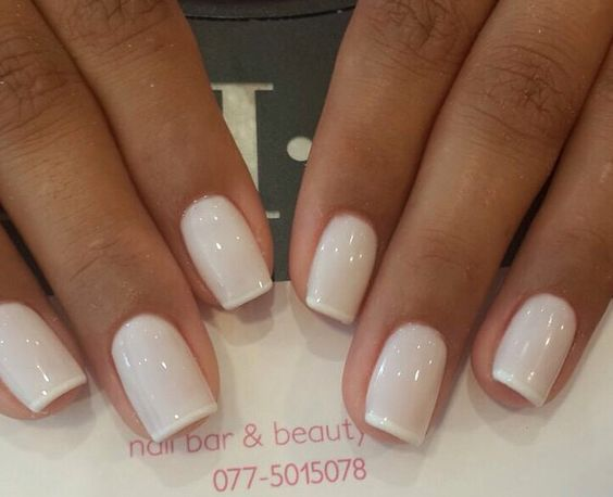 French gel manicure: