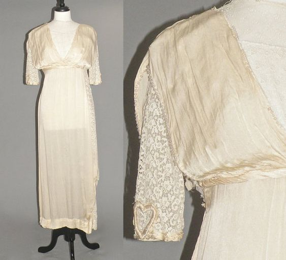 Breathtaking antique Edwardian ivory silk and crochet lace wedding dress in near excellent condition! Luxuriously soft high quality silk with