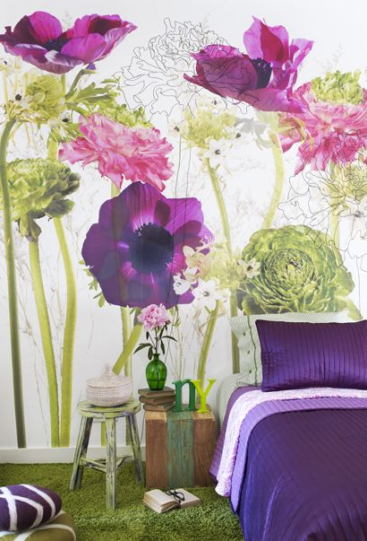 bedroom with Flower wallpaper - Urban Flowers living: