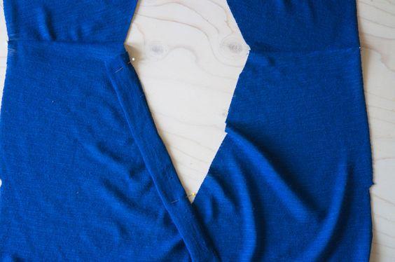 Cómo coser KNIT VINCULANTE SOBRE AV O ESCOTE ingleteadas | Closet Case Files    - HOW TO SEW KNIT BINDING ON A V OR MITERED NECKLINE | Closet Case Files