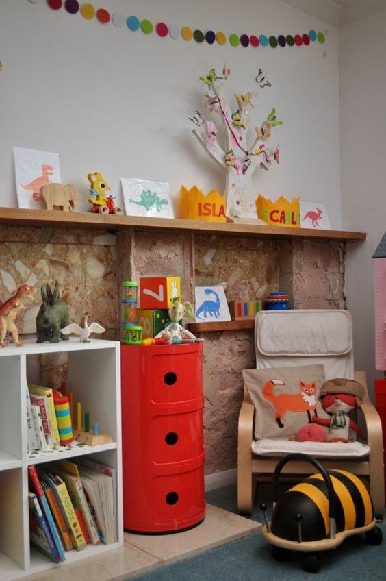kinderzimmer gestalten leseecke sitz kisten schreibtisch leseecke runde stühle sitzkissen  zimmer ikea stuhl