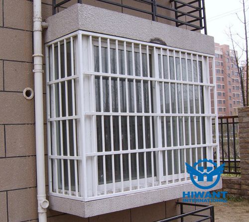 Aluminium profile especially for burglary-resisting windows and doors.
