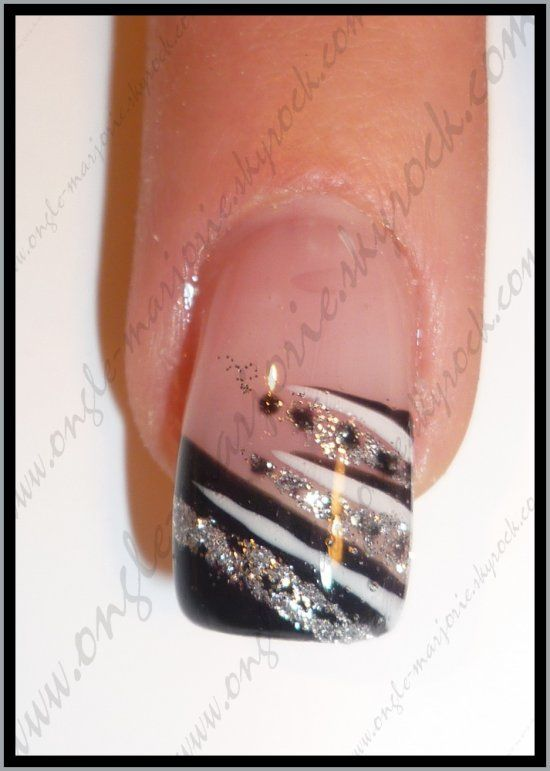 Ongles Gel Noir, Ongles Decos, Ongles De Noël, Ongle Carré, Ongles Brillant, Ongles Noirs, Cheveux, Ongle Gel Noel, Ongle Diane