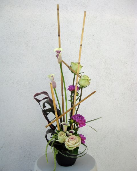 Line Drawings Of Flower Arrangements : Line design in floral arrangement vertical flower