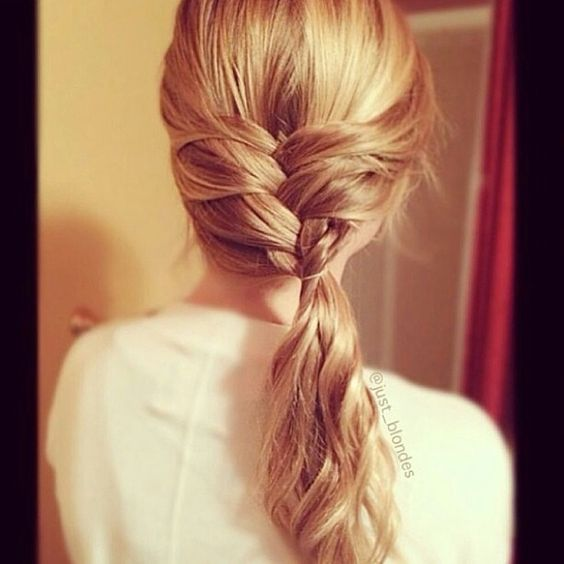 Tresse africaine et couette ondul e french braid with curly ponytail hair pinterest - Tresse queue de cheval ...