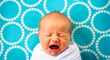 Soothing a crying baby - Pregnancy and baby guide - NHS Choices