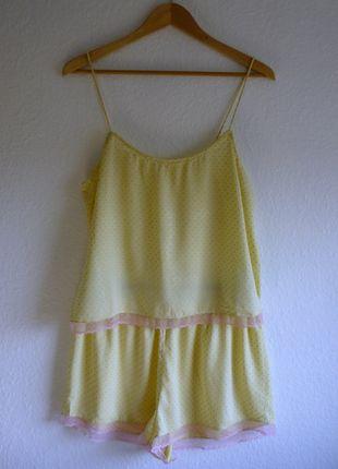À vendre sur #vintedfrance ! http://www.vinted.fr/mode-femmes/tenues-de-nuit/25090103-neuf-pyjashort-caraco-short-en-coton-avec-dentelle-pois-rose-topshop-42