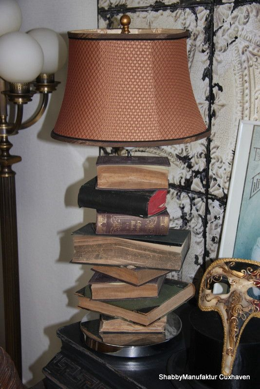 Tischlampe aus alten Büchern Books lamp shabby
