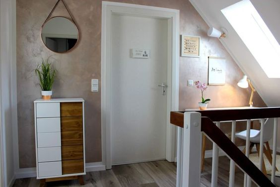 Diy Flur Make Over Inklusive Vorher Nachher Mit Neuer Wandfarbe In Schimmer O Trend Nb Wohnung Renovierung Wandfarbe Badezimmer Gestalten