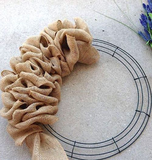 burlap wire wreath frame idea