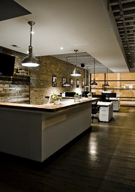 Great office reception space.  http://officesnapshots.com/inspire