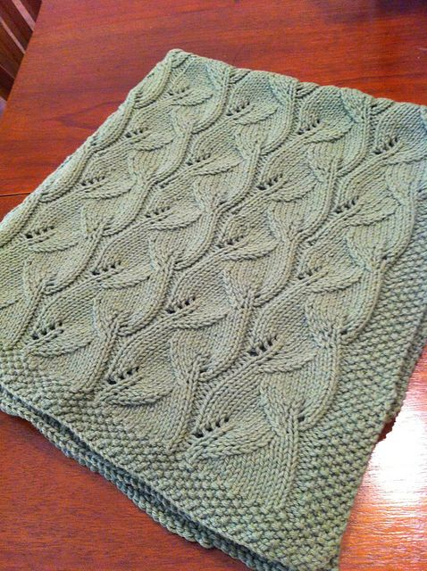 Ravelry Free Knitting Patterns For Baby Blankets : Free Pattern: Leafy Baby Blanket by Leyla Alieva ...