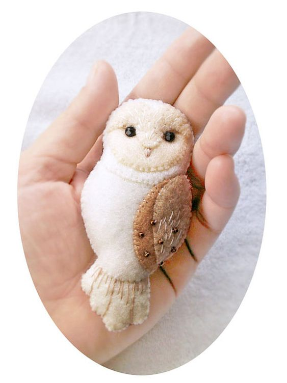 Barn Owl Brooch, Woodland Animal Jewelry, Ivory White Barn Owl Pin, Handmade Gift for Girlfriend Sister Daughter, Hand Embroidered Accessory