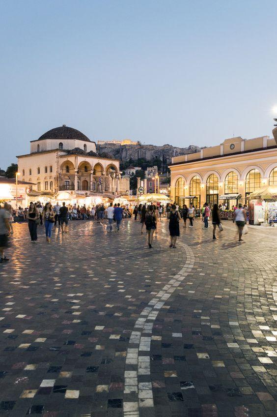 This is my Greece | Walking around in Monastiraki square below the Acropolis: