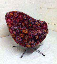 60's Egg chair. wow - love it!