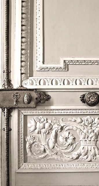 blanc | white | bianco | 白 | belyj | gwyn | color | texture | form | French door