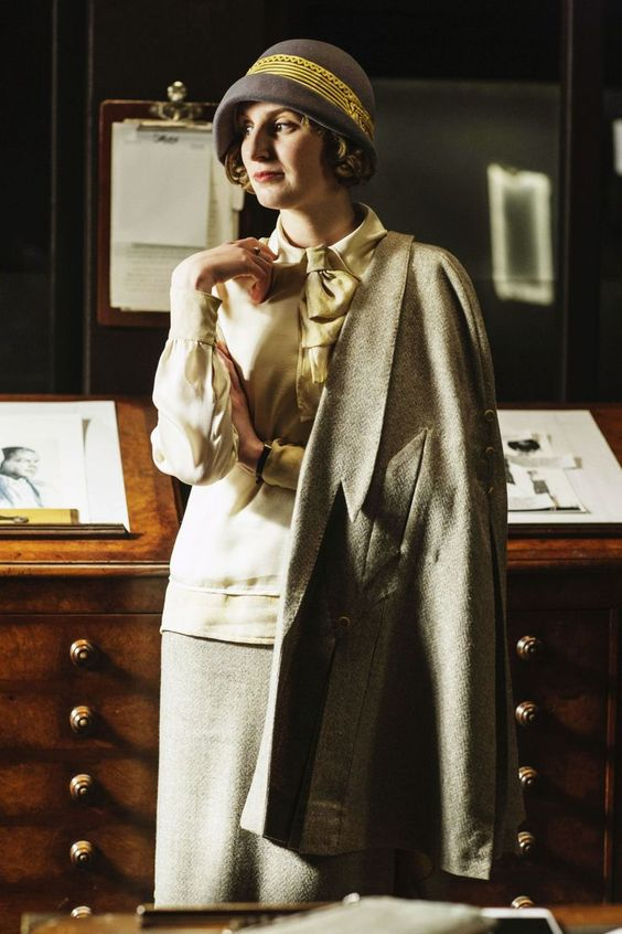 1920s office clothing worn by Edith in Downton Abbey