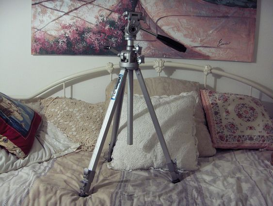 VELBON VS Double Neck 3 Adjustable Camera Tripod 59 in Tall http://ajunkeeshoppe.blogspot.com/: