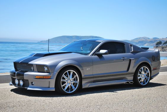 2006 Mustang GT looks just like my hubby's without the black stripes