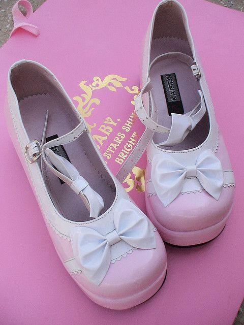 Pink Lolita shoes