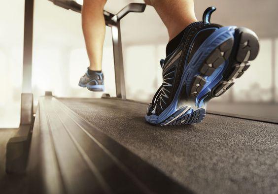 Para emagrecer, caminhada rápida é mais eficiente do que academia