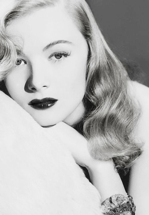Veronica Lake photographed by George Hurrell, 1941