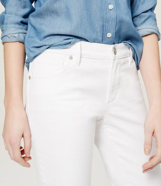 Thumbnail Image of Color Swatch 9000 Image of Relaxed Skinny Jeans in White: