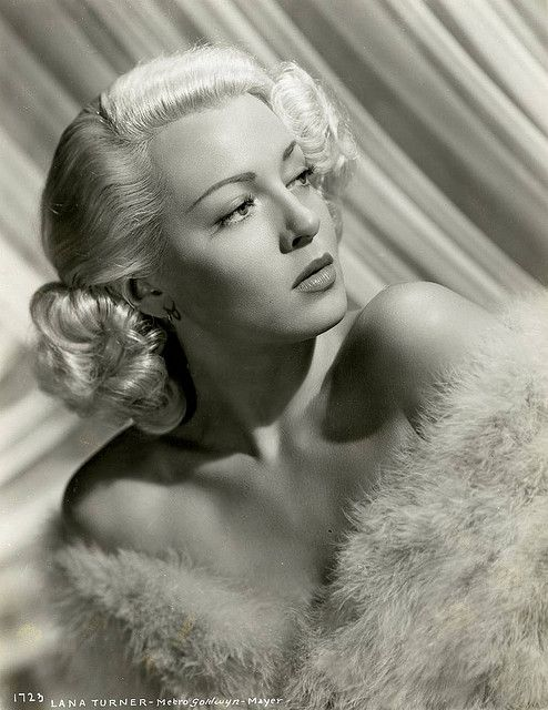 """Lana Turner..My favorite blond bombshell from """"Old Hollywood"""". Everyone else is partial to Marilyn, but I llove Lana."""