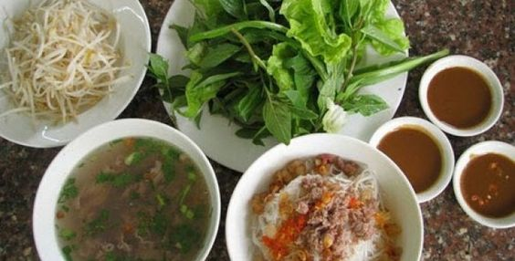 Two Bowls Pho Noodle Soup (Phở Hai Tô)