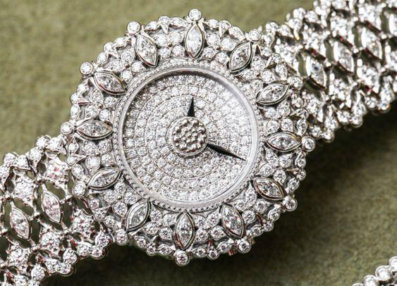 Hot Fashion Trend: Buccellati Jewelry in your wrists | Milan Design Agenda