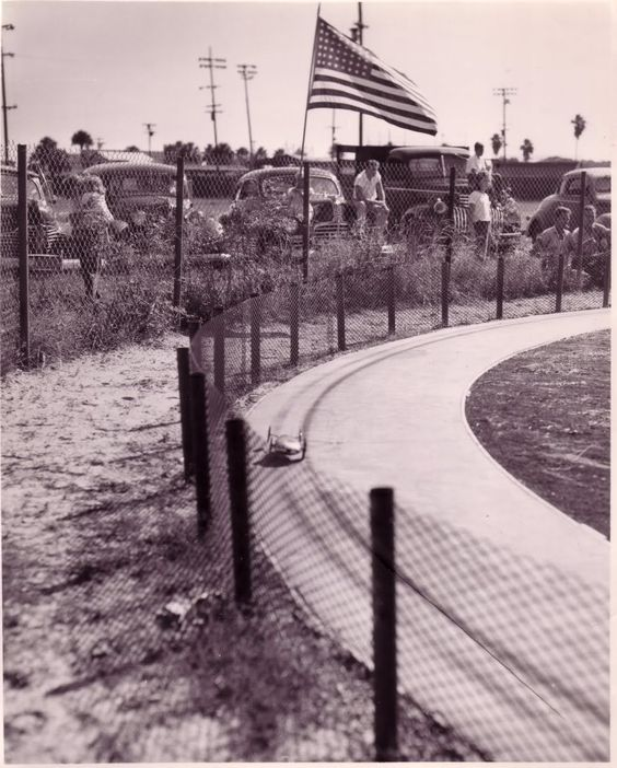Vintage Streamliner Photo