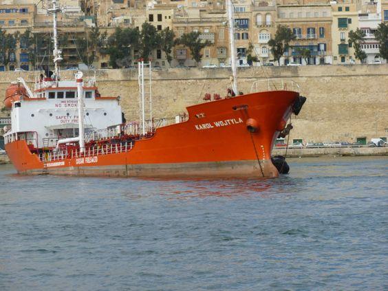 Snapshot! A christian ship ;-)  Karol Wojtyla Urlaub auf Malta: Valletta und Sliema – Tuttis Welt